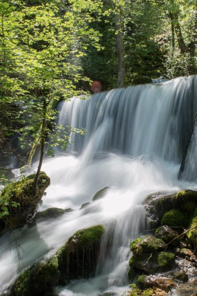 Penušavi vodopad reke Godine na Perućcu