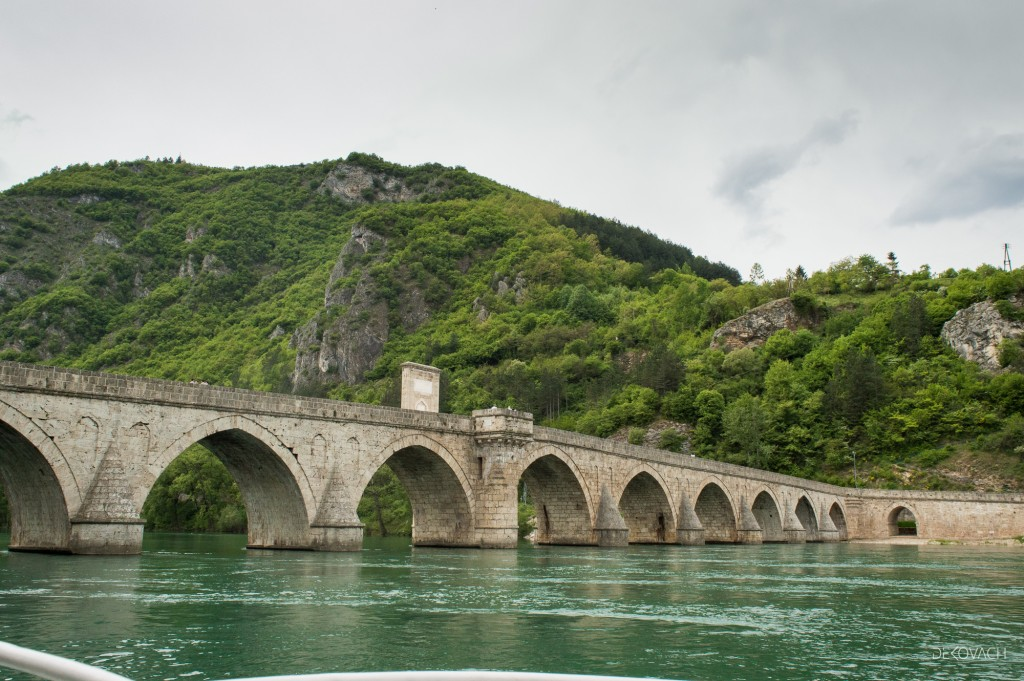 Pogled na most na Drini